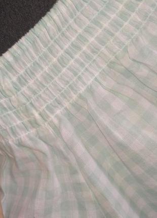 Блузка с опущеными плечами в клетку7 фото