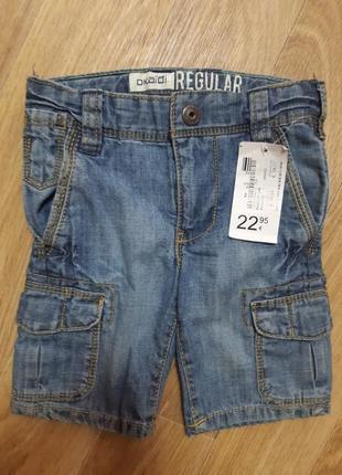 Шорты джинсовые. okaidi 12 мес.