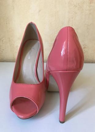 Туфли с открытым носком, босоножки