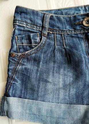 Джинсовые шорты next, с подворотами2 фото