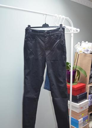Итальянские базовые джинсы