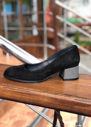 Черные туфли на небольшом каблуке с натурального замша з 36 по 40