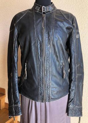 Кожаная куртка чёрная с специальными потертостями от бренда gipsy