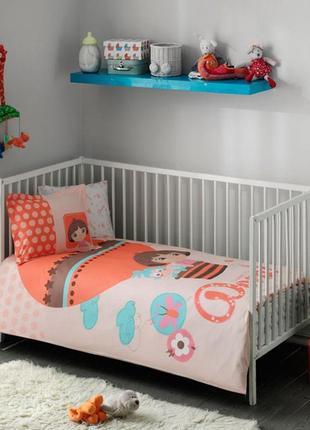 Комплект постельного белья в кроватку tac dora baby  постель даша путешественница