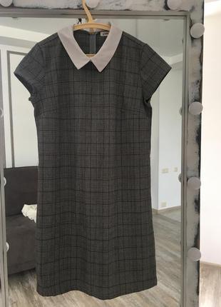 Свободное платье в клетку