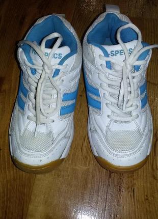 Кроссовки белые 36размер