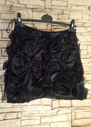 Короткая юбка в обьемных розах