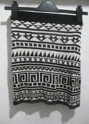 Мини юбка h&m короткая чёрная белая узор орнамент в обтяжку обтягивающая