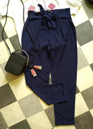 Актуальные брюки с поясом от reserved