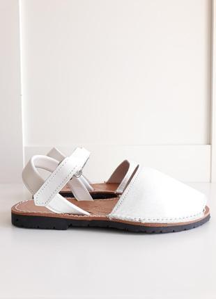 Кожаные белые сандалии natural menorca
