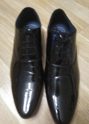 Лаковые стильные туфли для выпускного, свадьбы или торжественных событий. р.46. новые