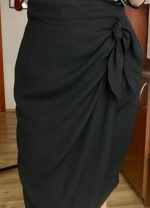 Чёрная шифоновая юбка на запах