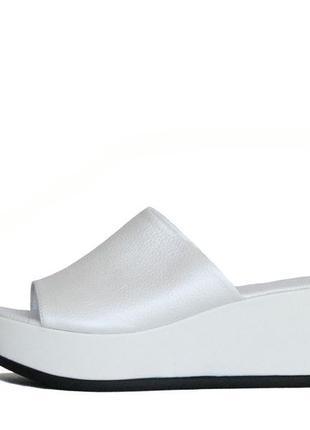 Белоснежные кожаные сабо