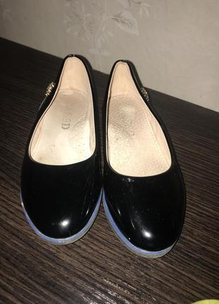 Туфлі, балетки лакові