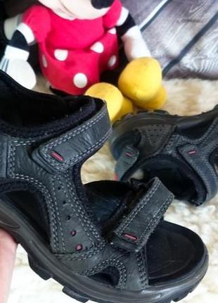Кожаные сандалии ecco. оригинал. амортизация подошвы.