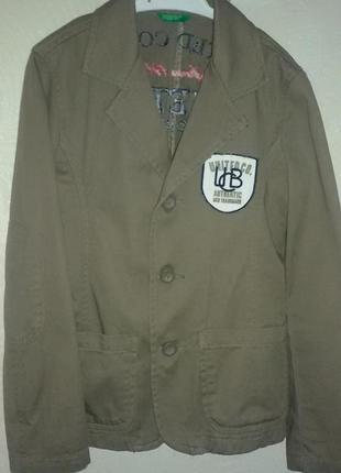 Котоновый пиджак с вышивкой на спине benetton