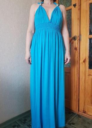 Красивое платье из отличной ткани фирмы bejealous