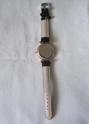 30 наручные часы6 фото