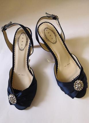 Нарядные туфли бренда debut , размер 37, стелька 23, 5 см