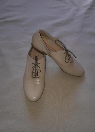 Легкие кожаные туфли броги лоферы оксфорды на шнуровке1 фото