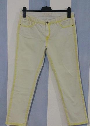 Гарні літні дизайнерські джинси стан нових
