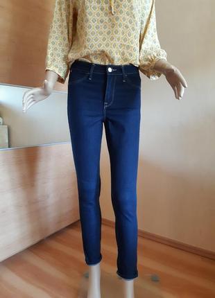 Классические синие джинсы скинни высокая посадка  h&m