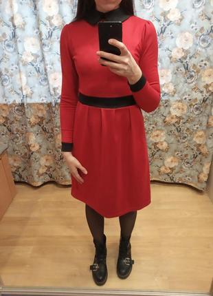 Оригинальное платье с воротничком от laura bettini. xs