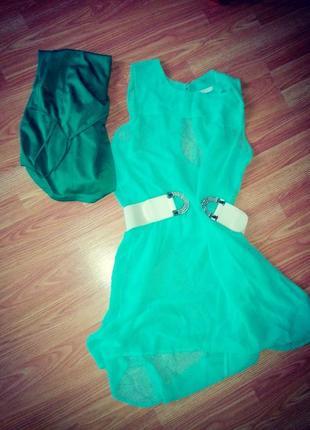 Мятное полупрозрачное платье с майкой комбинацией под него и поясом