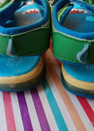 Прикольні босоніжки - крокодильчики3 фото