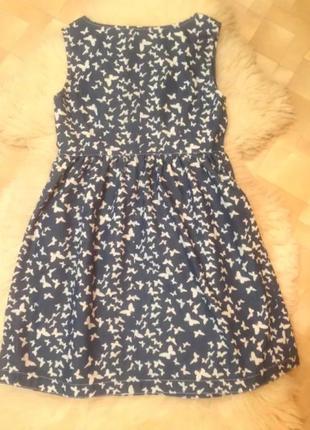 Легкое платье в принт бабочки из натуральной ткани.
