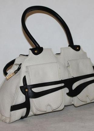 Красивая кожаная сумка fendi made in italy