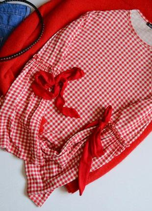 Блуза в клітку з бантиками на рукавах актуальна boohoo