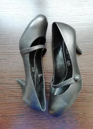 Шкіряні туфлі next 38 розміру