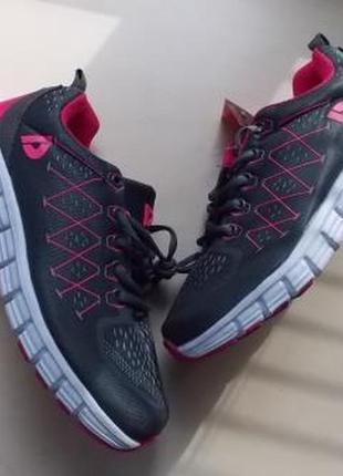 Новые фирменные кроссовки donnay для спорта р-р38,39.распродажа!!!