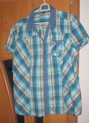 Легкая клетчатая  рубашка с коротким рукавом