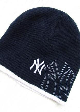 Стильная  шапка yankey