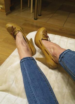 Туфли на высоком каблуке blanco шнуровка