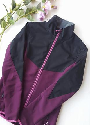 Легка літня спортивна куртка