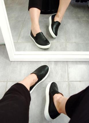 Черные кожаные слипоны мокасины лоферы arto