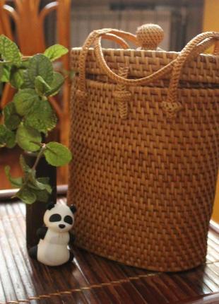 Плетенная сумка-барабан в эко-стиле. 100%  ротанга