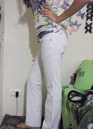 Трендовые белые  котоновые брюки