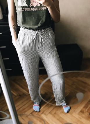 Прямые в полосочку штаны