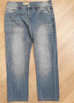 Невероятно красивые, аристократические джинсы синего цвета. authentic denim