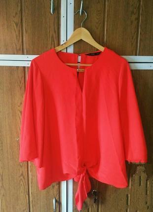 Стильная блузка с завязками
