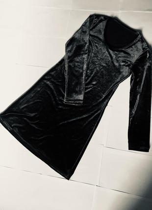 Платье велюровое серое