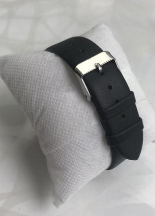 Красивые женские наручные часы черные3 фото