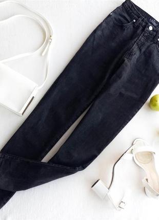 Невероятные джинсы мом с высокой талией trussardi