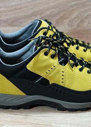 Женские трекинговые кроссовки ecco 40 размер (thailand)