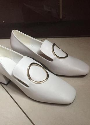 Безумно красивые и трендовые туфли mango из белой кожи