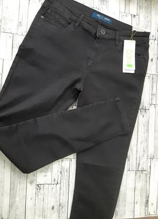 Мужские джинсы  черные скини adidas neo